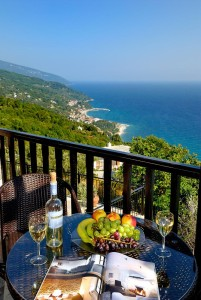 prasino-galazio-balcony02