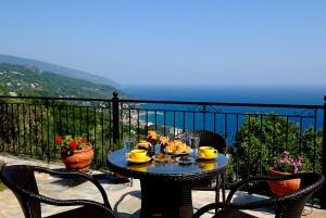 prasino-galazio-balcony04
